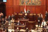 Militares no Egito indicam disposição para retirar presidente do poder