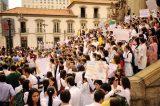 Profissionais protestam em 12 estados contra o Programa Mais Médicos