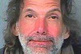 Bêbado é preso ao dirigir carrinho de compras motorizado em mercado