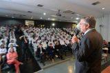 Ministro recepciona médicos estrangeiros