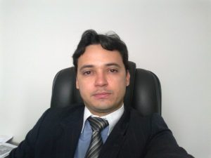 Advogado Tributarista, Vianei Bezerra Siqueira.