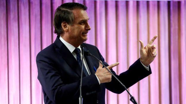 """Bolsonaro volta fazer ameça de intervenção: """"Se não tiver voto impresso é sinal de que não vai ter eleição"""""""