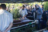 Parte da imprensa baiana afirma que João Gilberto deveria ser enterrado em Juazeiro