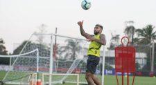 Sem Balotelli, Flamengo não tem plano B, e Jesus terá que encontrar solução interna