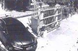 Vídeo mostra preso do caso Marielle deixando prédio com possíveis armas do crime