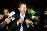 "Líder do PSL chama Bolsonaro de ""vagabundo"" e diz que vai ""implodir o presidente"""