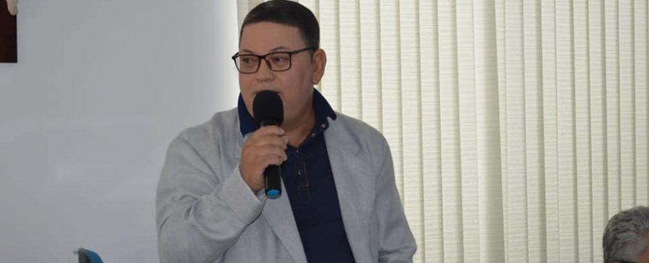 Presidente da Câmara de Uauá parabeniza professores pelo seu dia
