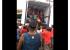 """Cenas de saque a caminhão de carne no Rio faz internet provocar: """"Não é a Venezuela"""""""