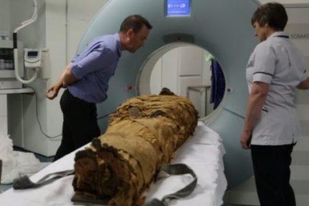 Múmia de 3 mil anos recriada