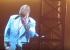 Vídeo: Elton John abandona show aos prantos após perder a voz