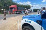 Polícia Militar Da Bahia E PRF Distribuem Refeições Para Caminhoneiros Em Rodovia