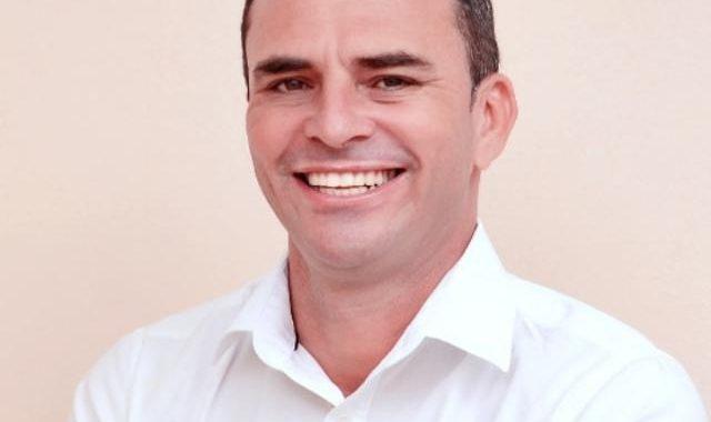 Vice-prefeito eleito de Uauá, Moisés Ribeiro, testou positivo para Covid-19. Ele passa bem