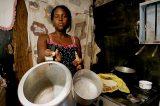 Ovos e ossos: a fome volta na vida dos brasileiros