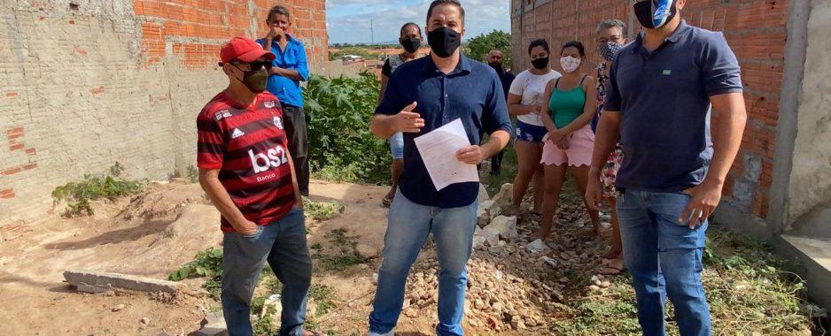 Denúncia: Moradores do Bairro Parque Residencial pedem ajuda do Vereador Salvador Carvalho