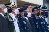 Presidente Bolsonaro humilha e expõe generais em Brasília
