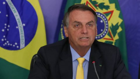 Câncer: Bolsonaro veta projeto que obrigava planos a cobrirem quimioterapia oral