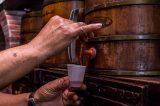 Com garrafa a até R$ 700, mercado de cachaça está em alta na Bahia