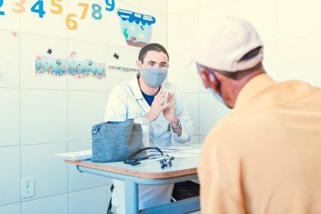 18 de outubro: Allan Jones parabeniza médicos de Juazeiro