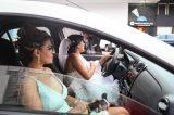 Noiva em apuros: mulher dirige até o próprio casamento, após ter 20 corridas canceladas